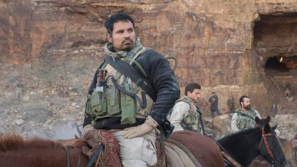 12 strong (15)