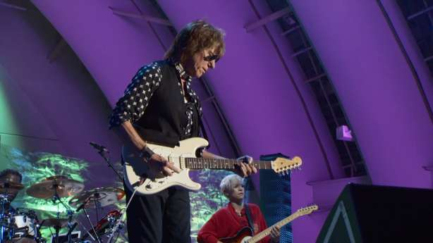 jeff beck - live at the hollywood bowl (2)